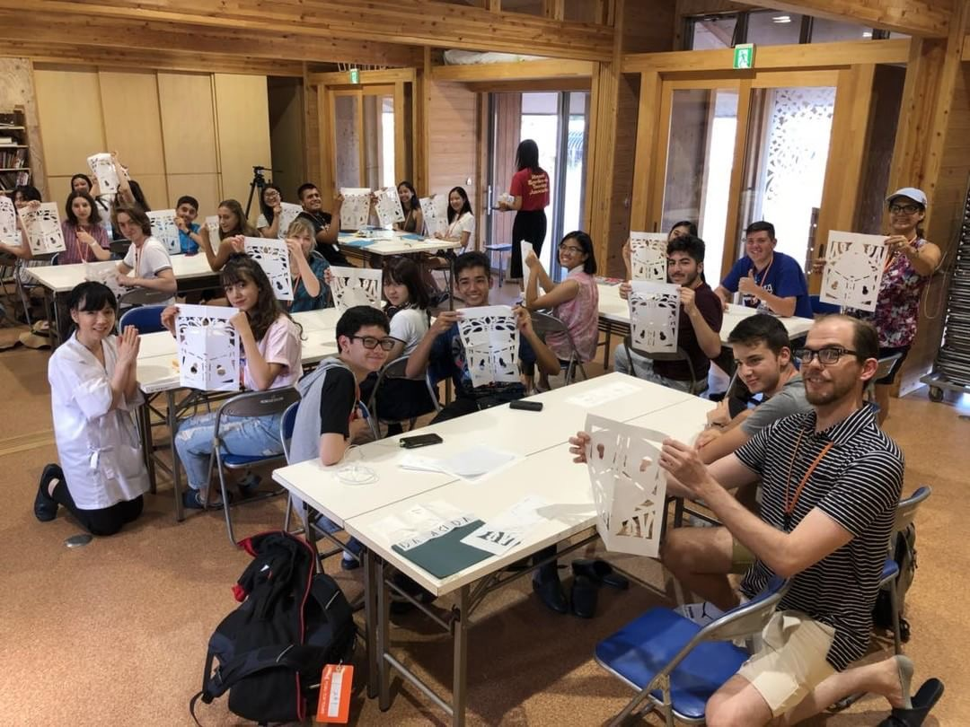 Students+visit+Japan+over+the+summer
